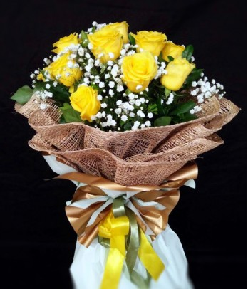 1 Dozen Imported Yellow Roses